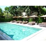 limpeza de piscina água verde